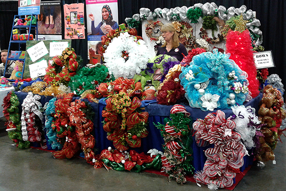 americas-largest-christmas-bazaar-wreaths2