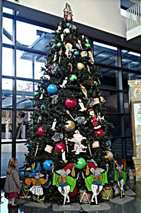 nutcracker-christmas-tree-11-29-14-cropped