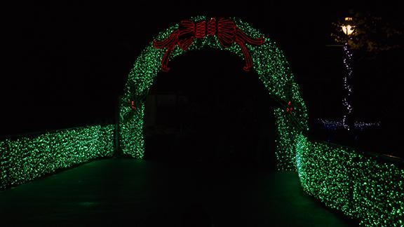 wreath-arch