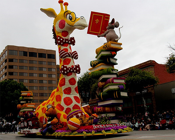 GiraffeMouseReadingRoseParade2017