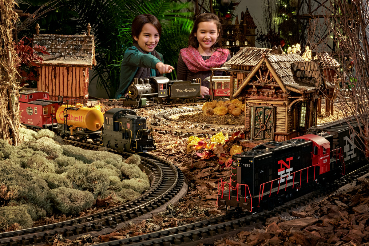 New york botanical garden s holiday train show a - Bronx botanical garden free admission ...