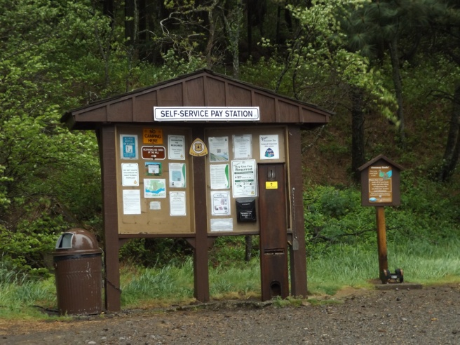 Dog-Mountain-Trailhead-kiosk
