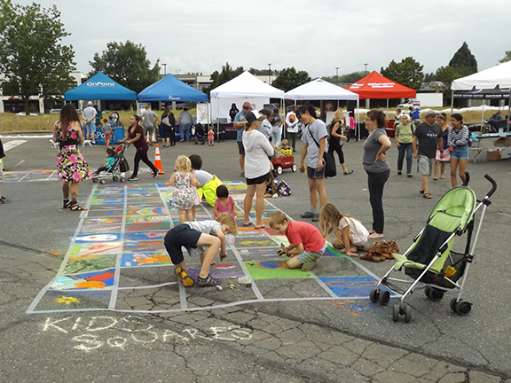 Kids-squares-at-La-Strada-dei Pastelli-Chalk-Art-Festival-Beaverton