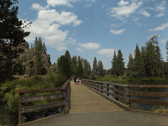 Deschutes-River-Trail-2.1-bridge-at-log-jam