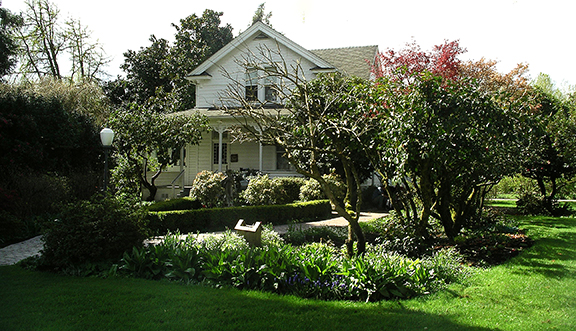 Hulda-Klager-Lilac-Gardens-Woodland4