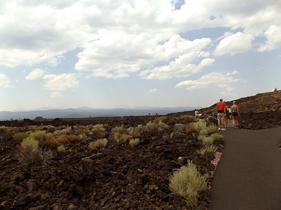 Trail-of-the-Moulten-Land-Newberry-National-Volcanic-Monument5