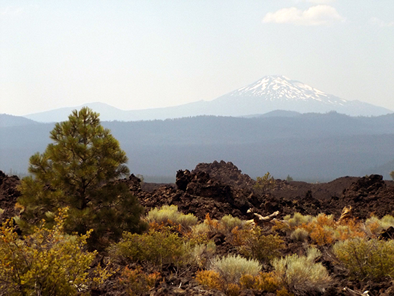Trail-of-the-Moulten-Land-Newberry-National-Volcanic-Monument6