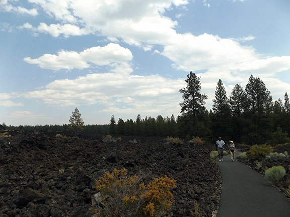 Trail-of-the-Moulten-Land-Newberry-National-Volcanic-Monument7