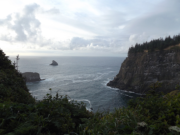 Cape-Meares-Lighthouse-and-Scenic-Viewpoint4