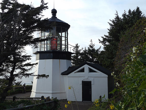 Cape-Meares-Lighthouse-and-Scenic-Viewpoint6