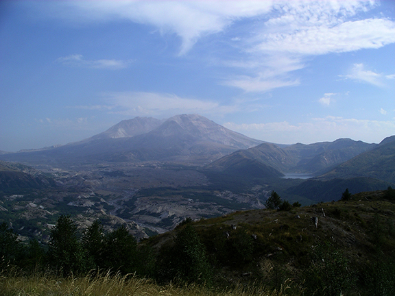 Mount-Saint-Helens-and-Castle-Lake-in-2006