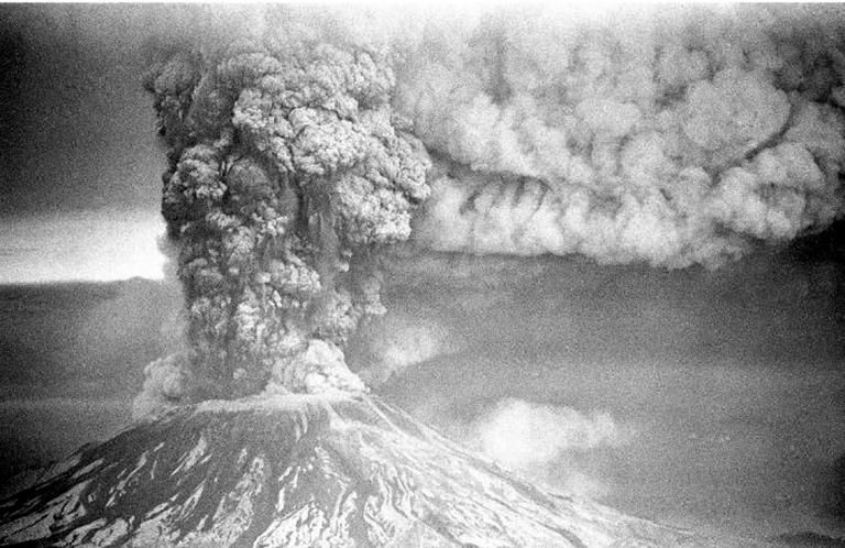 Mount-Saint-Helens-eruption-KOIN-TV