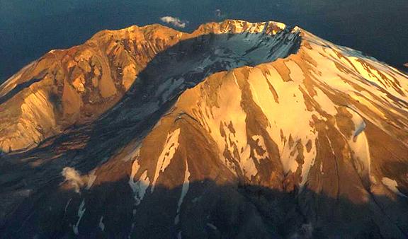 Mount-Saint-Helens-in-summer-2018