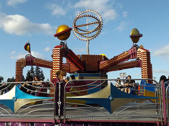 Tigard-Festival-of-Balloons-carnival-ride