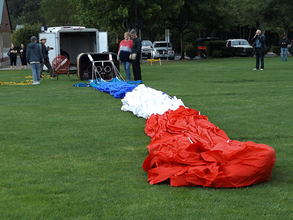 Tigard-Festival-of-Balloons-inflation2