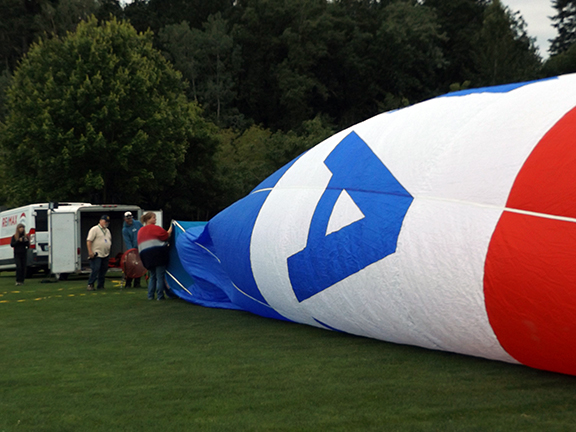 Tigard-Festival-of-Balloons-inflation3