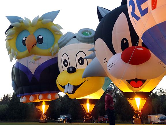 Tigard-Festival-of-Balloons-night-glow