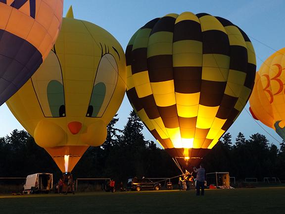 Tigard-Festival-of-Balloons-night-glow2