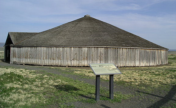 Pete-French-Round-Barn-State-Heritage-Site-Oregon