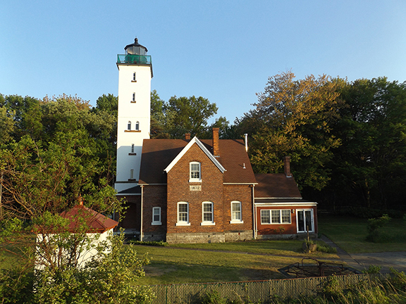 Presque-Isle-Lighthouse-Erie-Pennsylvania2