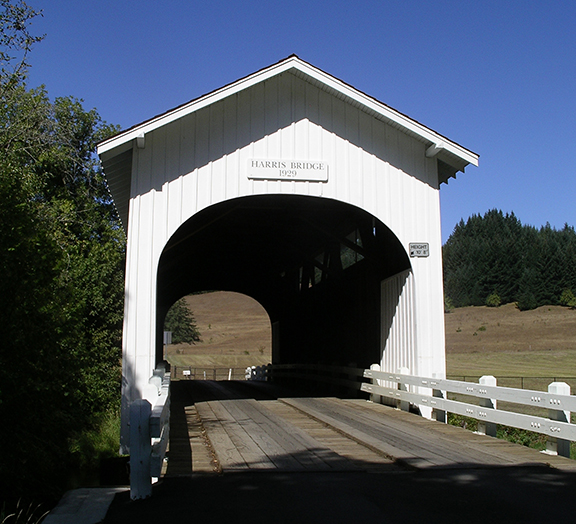 Harris-Covered-Bridge-near-Wren-Oregon