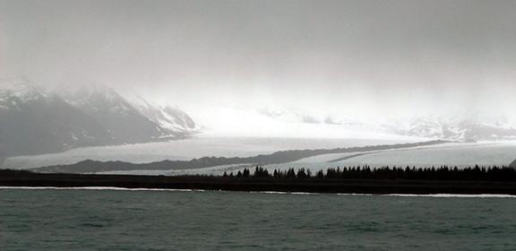 Kenai-Fjords-National-Park-boat-tour-glacier-view