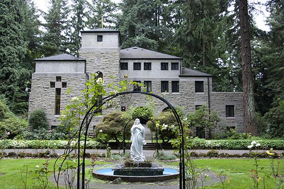upper-garden-chapel-The-Grotto-Portland
